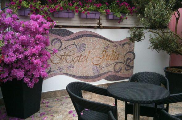 bar hotel julia